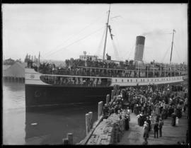 Highlanders leave on SS Princess Adelaide