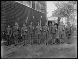 Soldiers and bugler of the 48th Battalion CEF