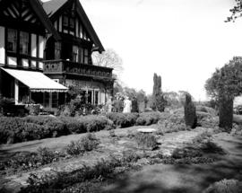 Garden of the Wilson residence on Rockland Avenue, Victoria.