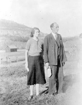 H. Calhoun and daughter Joyce, of Tappen.