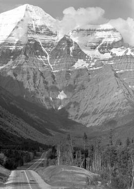 Mount Robson, Highway 16