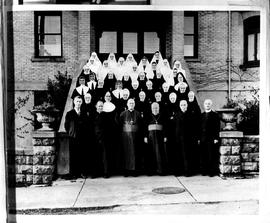 Group of sisters, priests and 2 bishops