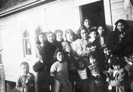 Ahousaht mothers and children