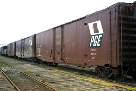 New boxcars of PGE Railway