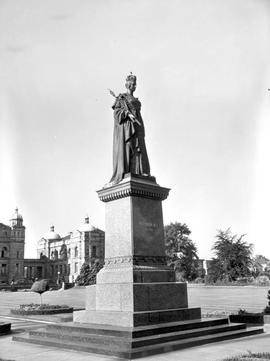 Statue Of Queen Victoria, Legislative Buildings