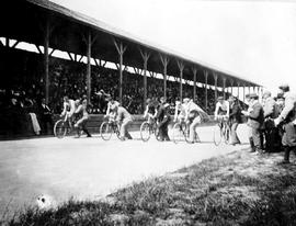Bicycle races, Oak Bay sports field; now know as Windsor Park.