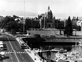 Causeway And Legislative Buildings, Victoria
