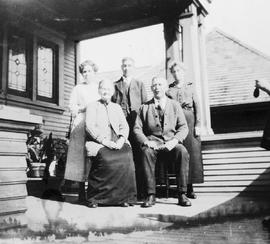 Mrs. Reinhart Steitz and others.