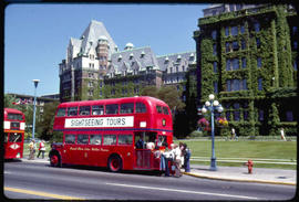 Victoria. Empress Hotel And Double Decker Bus