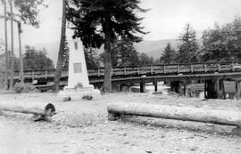 Alberni war memorial.