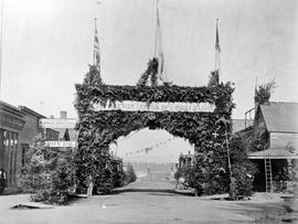 The Carnarvon Club 'rebel arch', on Fort Street between Government and Broad Street; looking west; Victoria.