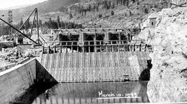 Construction work at Lower Bonnington Falls, West Kootenay Power and Light Co. Ltd, 60,000 horsep...