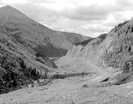 Alaska Highway, Mile 394.0 South