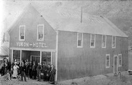 Yukon Hotel at Lake Bennett