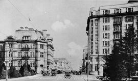 """Government Street, Victoria, V.I., BC""; post office on the left, Belmont Building on t..."