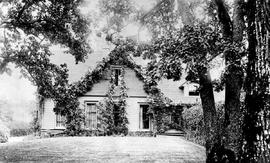 "Major C.T. Dupont's residence ""Stadacona""; it was situated beside the Pearse's residence, ""Fernwood"";  Victoria."