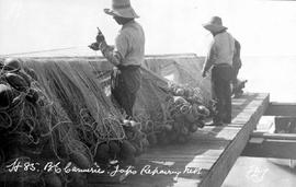 Richmond canneries, Japanese repairing nets.