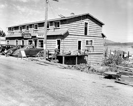 Maxwell House Hotel And Cafe, Cowichan Bay.