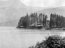 Yoho National Park; Emerald Lake Bungalow Camp.