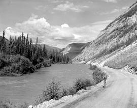 Alaska Highway, Mile 433.0 East