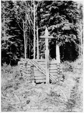 Indian grave on the Teslin Trail; Atlin-Quesnel telegraph.