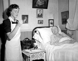 Caring for the elderly at home; the Victorian Order of Nurses [VON].