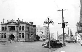 Victoria Public Library, at the left; northeast corner of Yates and Blanshard Streets; Carnegie Building.
