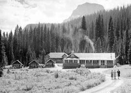 Yoho National Park. Yoho Lodge