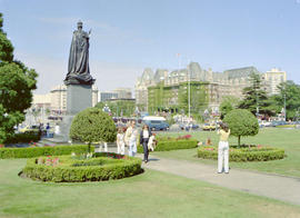 Statue of Queen Victoria and the Empress Hotel on Victoria's Inner Harbour.