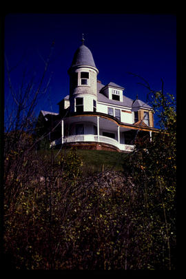 Averill Estate Home, Grand Forks