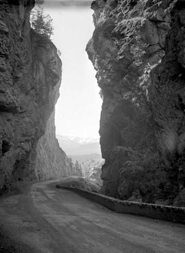Sinclair Canyon Highway
