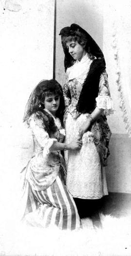 Ethel and Maude McMicking.
