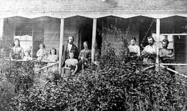 "The Robert Anderson family at their residence ""Loch End"", Burnside Road, Victoria; described as a cream coloured house with a green roof."