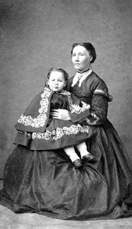 Mrs. John McAdoo Wark and her daughter.