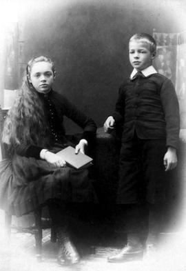 Emily Eilbeck Wilson, age 11, and Charles Eilbeck Wilson, age 9