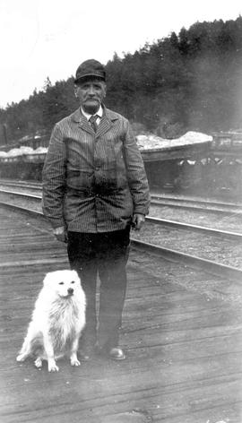 Scotty Allan and his dog at Lytton Station.