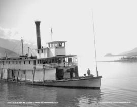 """CPR Co.'s SS Lytton landing at Arrowhead, BC."""
