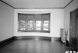 "One of the back bedrooms; facing the Glenshiel Hotel; George H. Aylard's residence ""Sto..."