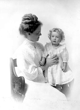Nellie McClung with her child.