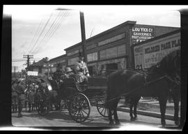 [Horses and carriage, Victoria parade?]