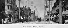 """Government Street, Victoria; Bank of Montreal at the left"