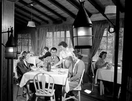 Dining Room, Lake Wapta Lodge