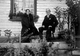 Mr. and Mrs. Frederick Pauline on the porch at the Tod house; J.K. Nesbitt collection.
