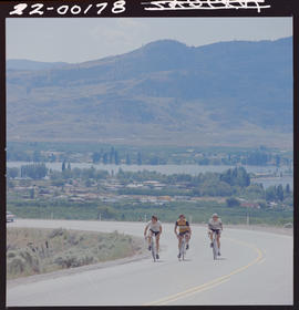 Cyclists, Osoyoos