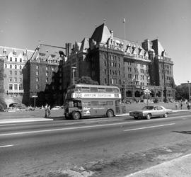 Empress Hotel And London Bus, Victoria