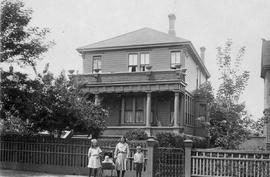 The children and residence of Mr. and Mrs. H.J. Scott, corner of Avalon and Douglas Streets, Victoria.