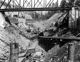 """Photograph no. R.P. 184, Ruskin development, view showing excavation for the foundation of ..."
