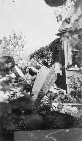 Wreckage of a sea-plane at Senator R.F. Green's residence, Victoria