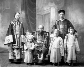 [Lee Mong Kow's family in Victoria]
