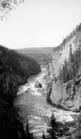 Nechako Canyon, split rock.